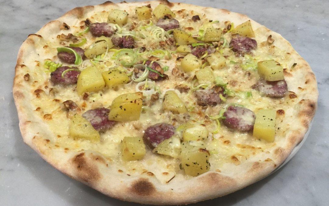 La famosa Pizza De Val del Don Pedro a Ponte Arche. Leggi per scoprirla!